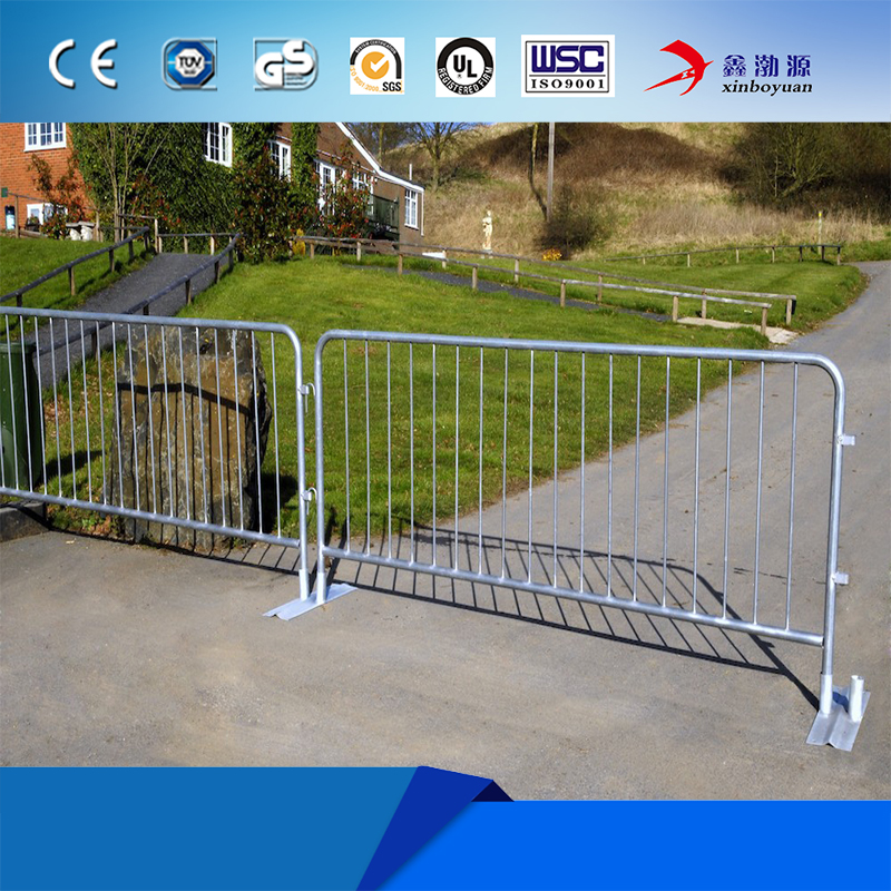 Galvanized crowd control barrier / used barricades for sale