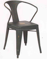 Populer metal chair with antique finish