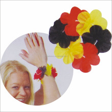 Germany soccer fans hand flower chain german hawaii leis for WM 2018 year