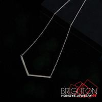 Fashion Letter V Pendant Necklace 5-1400-4020