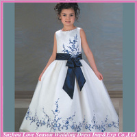 HF8015 FREE SHIPPING worldwide China Supplier Alibaba white and blue embroidered beaded bow 2014 new arrival flower girl dress