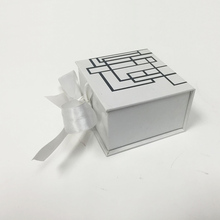luxury wedding favor Gift packaging Box With Ribbon Closure