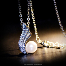 2018 Wholesale alloy rhinestone imitation pearl angel wings necklace