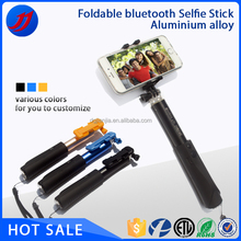 2015 Innovative design mini bluetooth selfie stick for cell phone camera