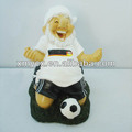 2014 hot sale resin football gnome sculpture.