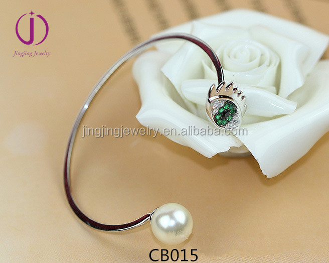 Wholesale Turkish Hamsa jewelry. 925 silver eye bangle with pearl