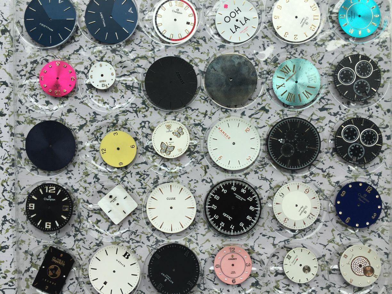 Polishing Sapphire Crystal NH38 Movement Minimalism Rotary Locked Back Cover Automatic Watch Men