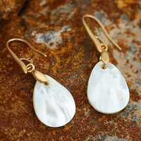 2017 handmade Stylish natural shells fine simple drops of earrings