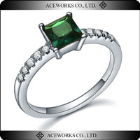 2016 new arrival 925 sterling silver anniversary rings jewelry fashion emerald Zircon rings for her