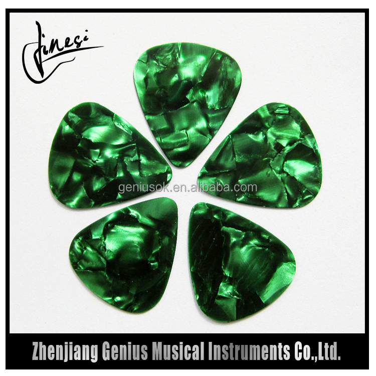 Best Quality Personalized Guitar Picks Necklace with Best Price
