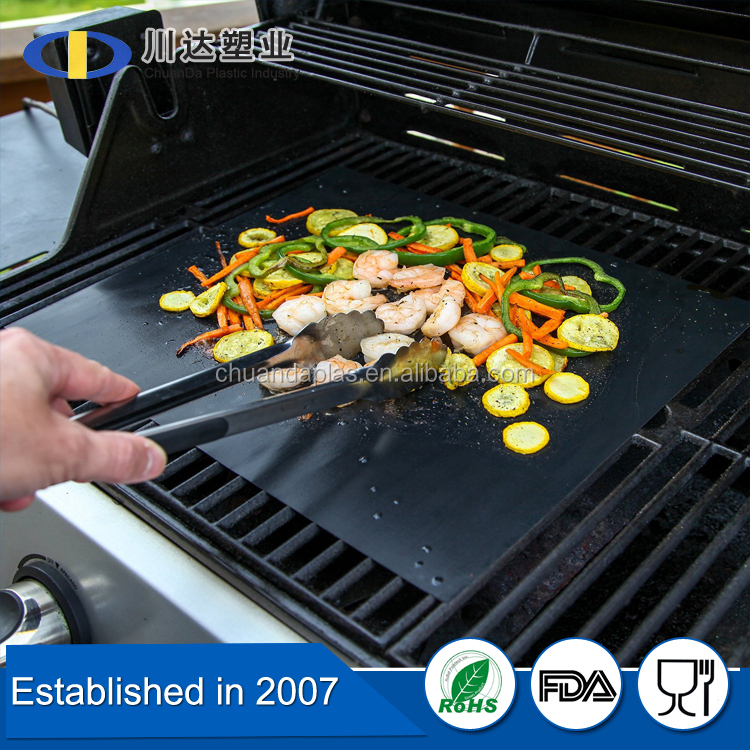 Best Selling Amazon 2016 Non-stick Grilling BBQ Mat, keep the grill clean and no foods falling through grill cracks