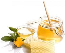 Bulk packaging organic natural honey from honey market