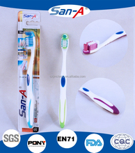 E-917 SAN-A Adulto spazzolino da denti con tougue cleaner