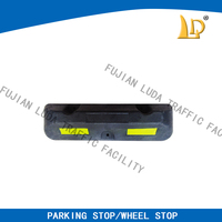 Good Anti-Crush Truck Wheel stopper With Yellow Reflective
