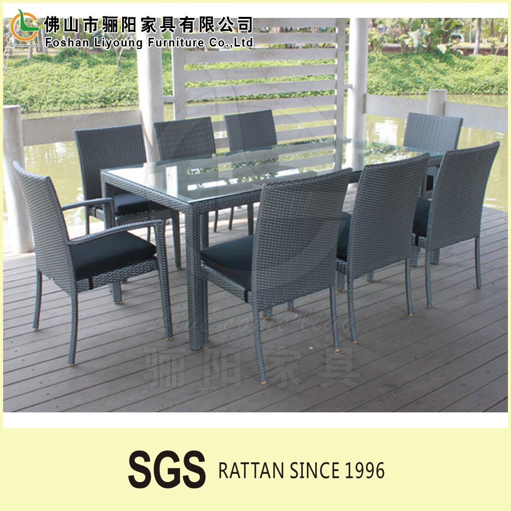 China Factory Direct Sales Grey Cane Dining Table Chair Set, Waterproof And Cheap Chinese RestaurAnt Tables And Chairs