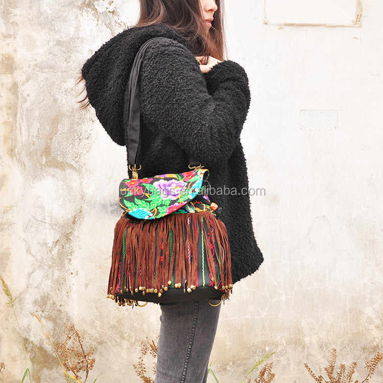 2017 New Design China embroidery leather handbag tassels ethnic bag