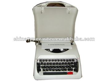 "9"" manual typewriter"