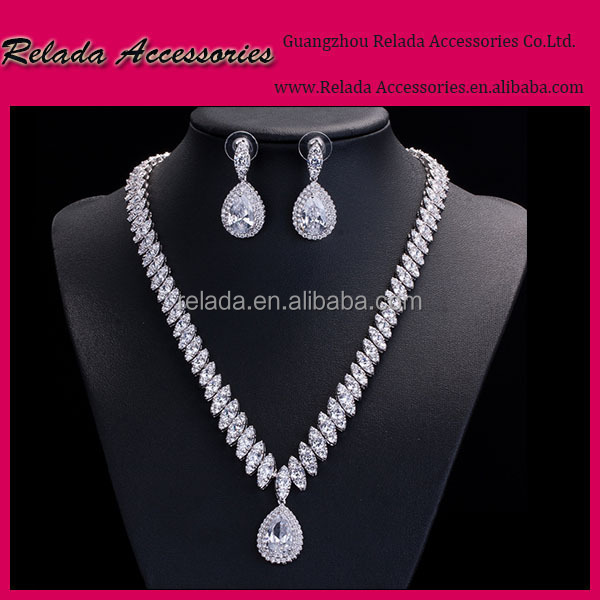 Factory wholesale Sparkling silver rhodium plate bridal jewelry set within Bling Cubic zirconia,make jewelry set for weddings