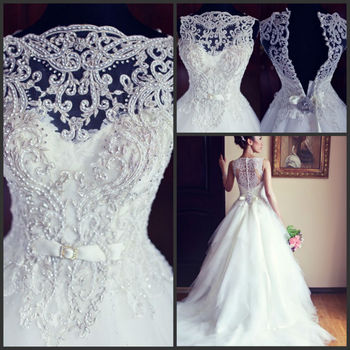 High Quality Embroidery Tullle Fashion Lace Applique Beaded With Buttons Back Vestidos Wedding Dresses 2016 New Arrival