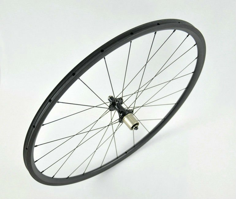 Newest 700c cheap chinese carbon 24mm tubular wheel, CPP 24mm carbon wheel
