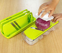 Multi-Function Food Safe Plastic Vegetable and Fruit Manual Slicer and Shredder