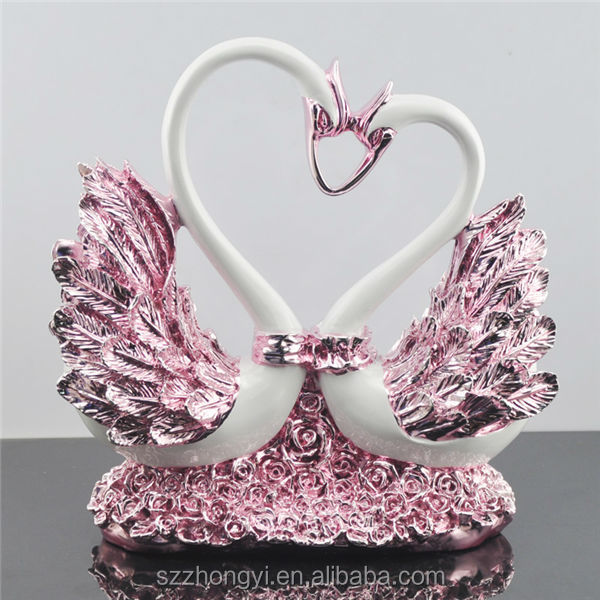 Factory cusomed beautiful resin swan figurine wedding stair decoration