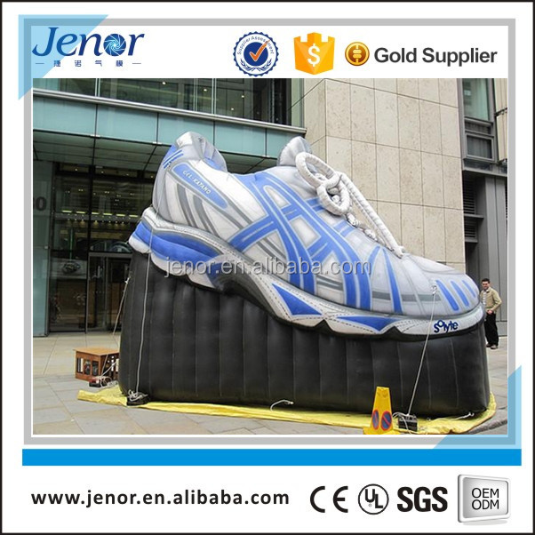 Giant advertising inflatable runner shoes replica for promotion