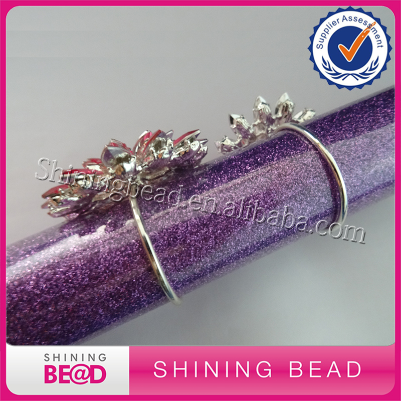 Beautiful Rhinestone Napkin Ring Acrylic Napkin Holders Handmade Buckles for Wedding and Dinner Party