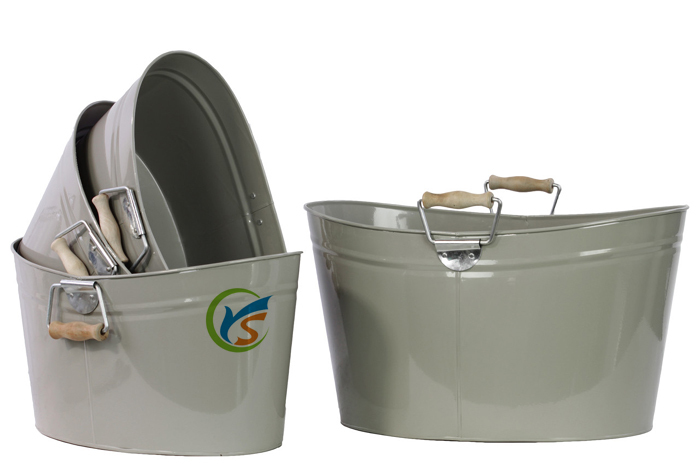 Set Of Four Urban Trends Metal Oval Bucket With Wood Handle