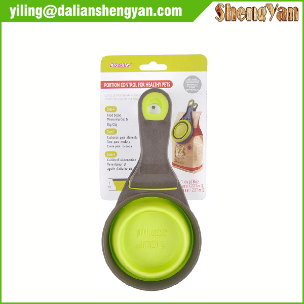 Collapsible Pet Food Scoop with Food Bag Clip