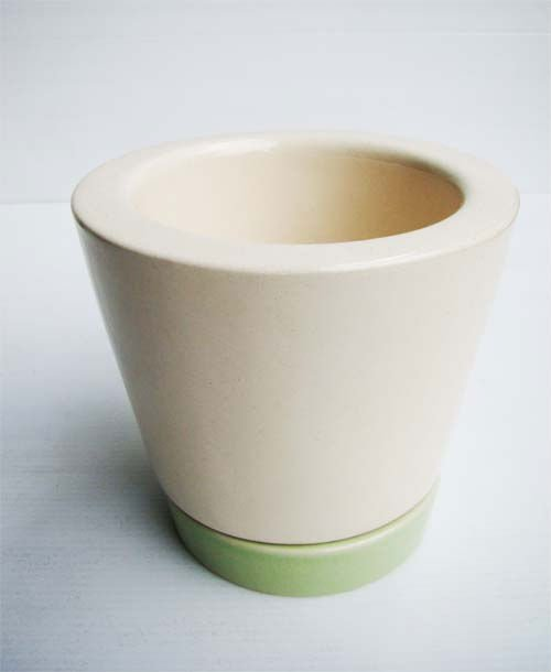 Ceramic Plant Pot with green saucer
