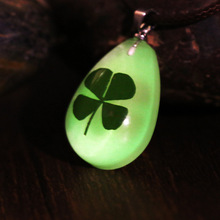 2017 New Drop gemstone Pendant Clover summer jewelry luminous necklace Sen dried flower series Teardrop crystal accessories