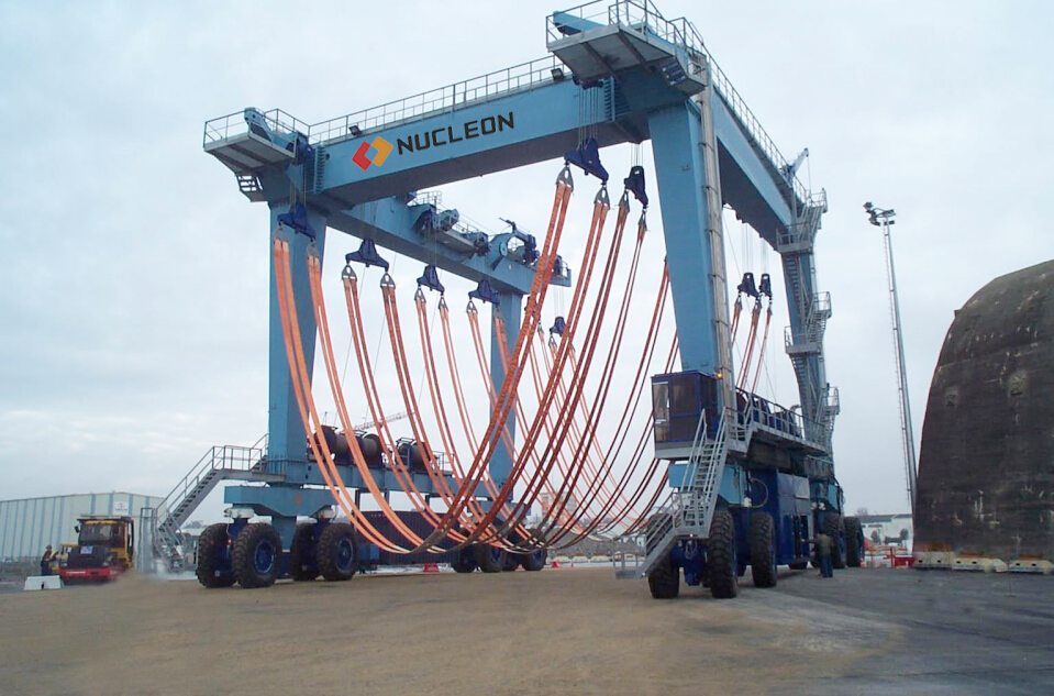 Nucleon 200 ton hydraulic boat lift