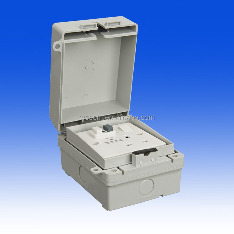 Weatherproof socket outlet single switched RCD protected latching IP65