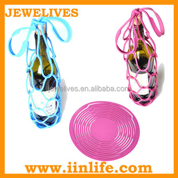 Portable silicone wine bottle carrying case