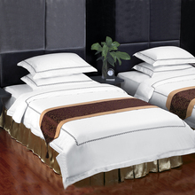 Guangzhou manufacturer embroidery bedding hotel cotton bed linen wholesale