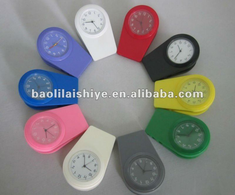 Latest Unique Design Fashion Silicone Clamp Watch
