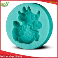 2015 new kitchen tools food grade dragon cake mold