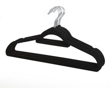 wholesale hangers slip-resistant coating flocked clothes laundry velvet hanger with tie bar