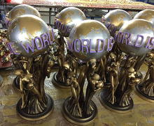 Custom China Factory 40cm Resin The World Is Yours Statue Full Size In Store