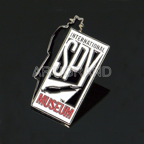 International museum lapel pin for souvenir