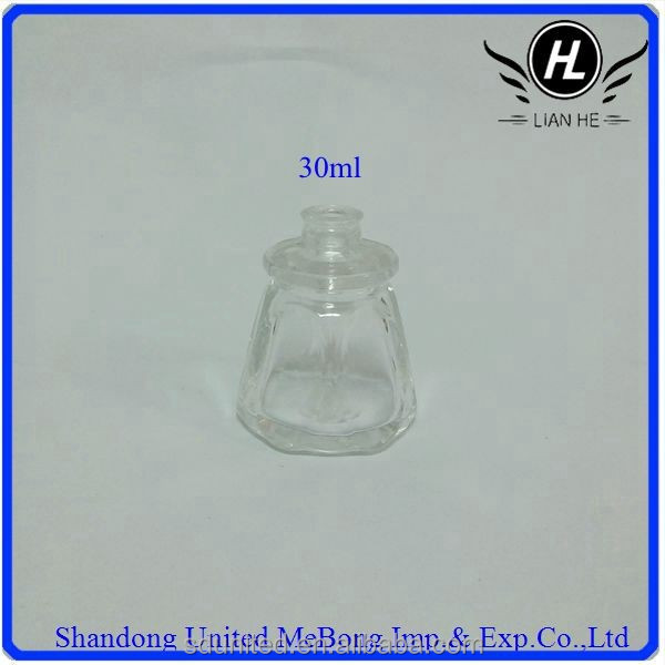 Pretty 30ml clear eight-square perfum glass bottle