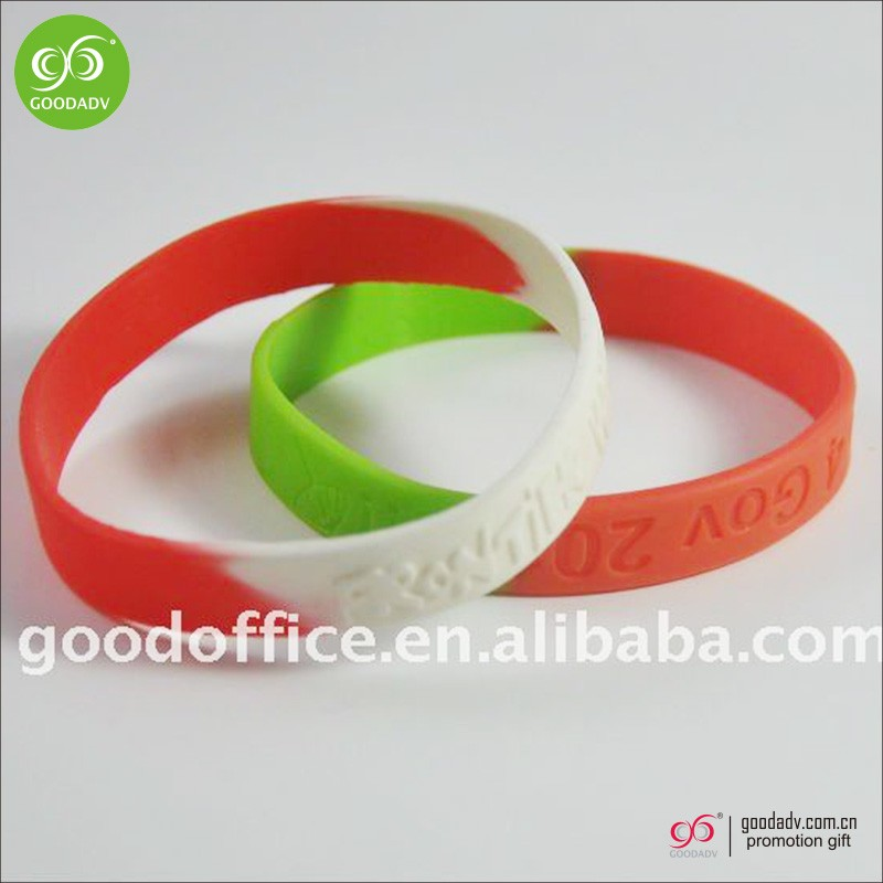 Guangzhou factory custom cheap fashionable silicone bracelet
