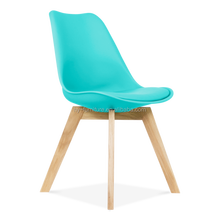 Amazing Design PP Plastic Upholstered Dining Chair with Wooden Legs