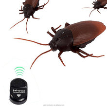 Remote Control Realistic RC Prank Toys, Vipe Trick Toys RC CockroachToy Infrared Remote Control Mock Fake Cockroach drop ship