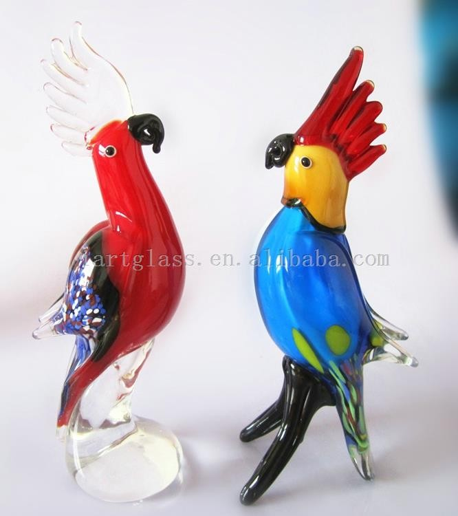 Noble Exquisite Hand Blown Parrot Shape Glass Figurine Craft