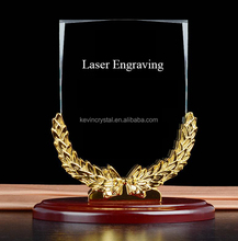 wooden base crystal trophy 2017 new design crystal award customized engrave award