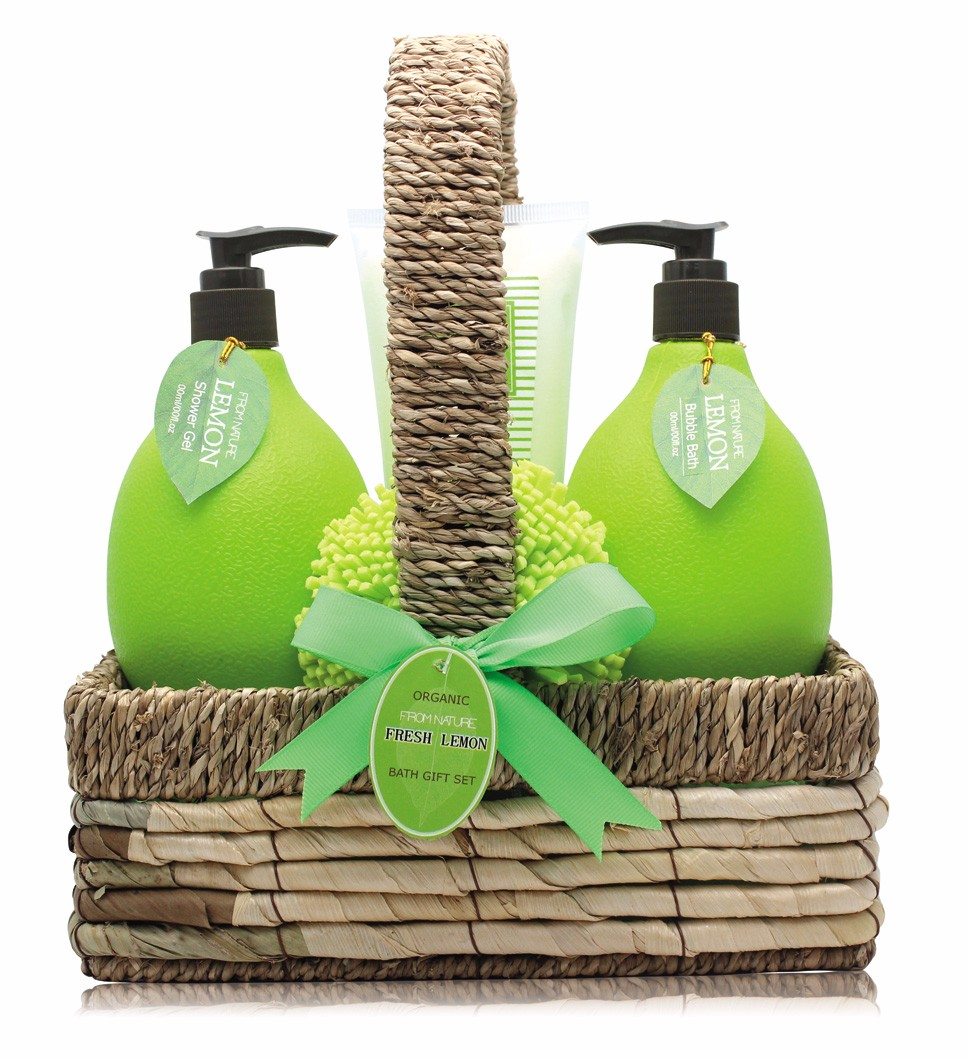 Organic pineapple refreshing shower gel bubble bath body lotion bath fizzer in wooden basket