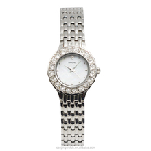 Newest luxury women wristwatch with quartz movement