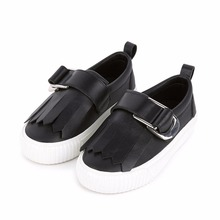 Soft leather black metallic buckle design flats round toe casual spring with tassels kids cheap best youth shoes